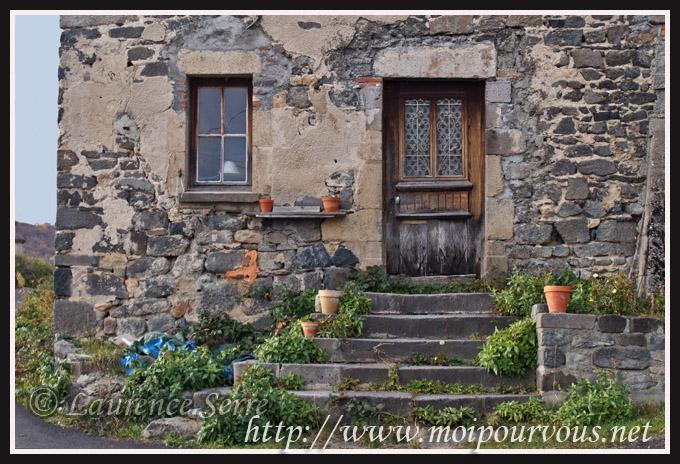 Poème : Une petite maison dans Poèmes une-petite-maison2